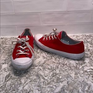 {Converse} red All Stars
